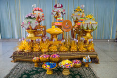 De boeddhistische toebehoren van de ordeningsceremonie Stock Foto