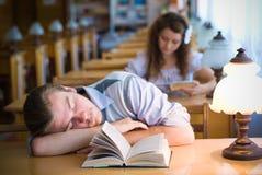 De Boeken & Laptop van Studing Stock Foto's