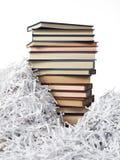 De boeken van de toren op strokendocument Stock Foto's