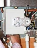 De boiler van het gas onder reparatie Royalty-vrije Stock Afbeeldingen