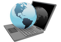 De bol van de aarde op laptop wereldcomputer Stock Foto