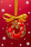 De bol van Kerstmis met snoweflakes. Royalty-vrije Stock Afbeeldingen