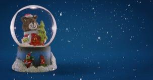 De bol van de Kerstmissneeuw stock footage