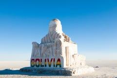 01 06 2000 de Bolivia odległości warstwy żeńskich lake ustanowione samotnych daleko nad Salar soli uyuni chodzącym cienką podróżn Zdjęcia Stock