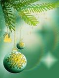 De bollen en de klok van Kerstmis op groene achtergrond Stock Afbeeldingen