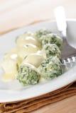 De bollen van de spinazie en van ricotta stock fotografie