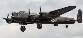 De Bommenwerpersvliegtuig van Lancaster stock foto's