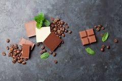 De bonen van de chocolade en van de koffie Royalty-vrije Stock Foto