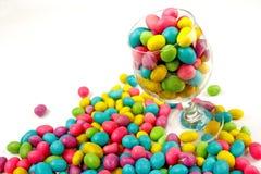 De bonen van de kleur candie in glas Stock Foto