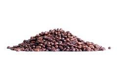 De Bonen van de koffie die op witte achtergrond worden geïsoleerde Royalty-vrije Stock Fotografie