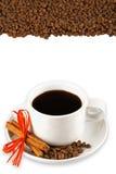 De bonen van de koffie en kopachtergrond Royalty-vrije Stock Fotografie