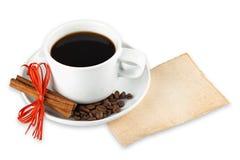 De bonen van de koffie en kopachtergrond Royalty-vrije Stock Foto