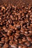 De bonen van de koffie, macroclose-up Royalty-vrije Stock Foto