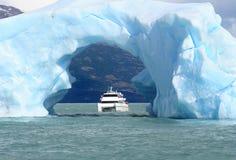 De boog die van ijs wordt gemaakt Royalty-vrije Stock Foto