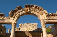 De boog van Ancien in Ephesus Stock Fotografie