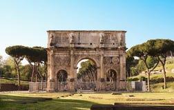 De Boog van Constantine dichtbij Colosseum in Rome, Italië Royalty-vrije Stock Foto's