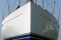 De boog van de zeilboot Stock Foto's
