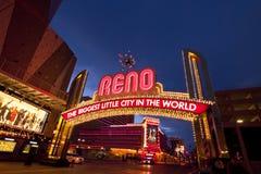 De Boog van Reno bij Nacht stock afbeelding