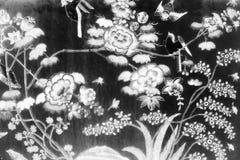 De Boom en van de Bloemenkunst schilderijen isoleerden zwart-wit op de muur van het tegelspatroon langs de galerijen van de Tempe royalty-vrije stock fotografie
