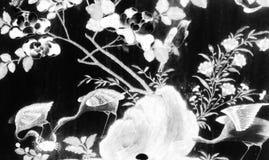 De Boom en van de Bloemenkunst schilderijen isoleerden zwart-wit op de muur van het tegelspatroon langs de galerijen van de Tempe stock foto