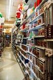 De Boomvertoning van de Kerstmisvakantie bij Detailhandel Royalty-vrije Stock Foto