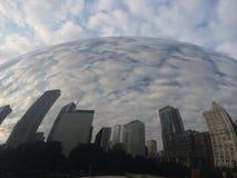De Boon van Chicago met de bouw van bezinning Stock Afbeeldingen