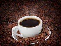 De boon van de koffie als achtergrond Stock Foto's