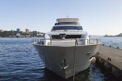 De boot bij de meertros Royalty-vrije Stock Fotografie
