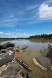 De boot in de rivier Stock Fotografie
