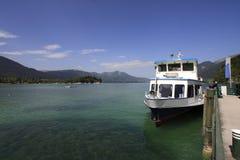 De boot en het meer van Oostenrijk Royalty-vrije Stock Afbeelding