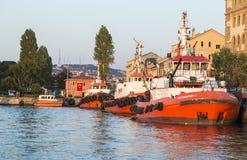 De boot van de brandvechter Stock Afbeeldingen