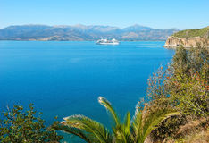 De boot van de cruise in het overzees van Griekenland Royalty-vrije Stock Afbeeldingen