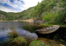 De boot van de fjord toneel Royalty-vrije Stock Foto
