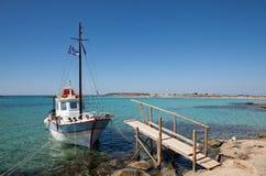 De boot van de motor met doorgang Royalty-vrije Stock Foto's