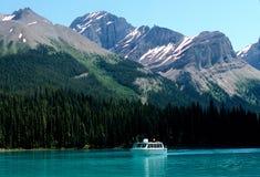 De boot van de reis, Meer Maligne Stock Foto