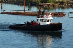 De Boot van de Sleepboot van de Boom van het logboek Royalty-vrije Stock Fotografie