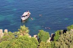 De boot van de toerist stock afbeelding