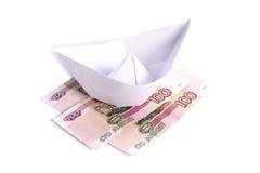 De boot van het document op het geld Royalty-vrije Stock Afbeeldingen