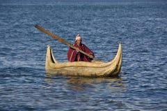 De boot van het riet - Meer Titicaca in Bolivië Stock Fotografie