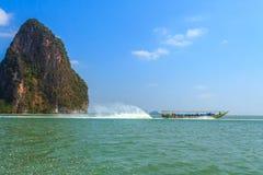 De boot van Longtail in Thailand Stock Foto's