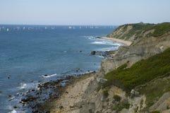 De bootparade van de kustlijn en van het zeil Stock Afbeeldingen