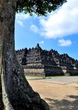 De Borobudurtempel is een toeristenbestemming in Azië - Indonesië stock foto