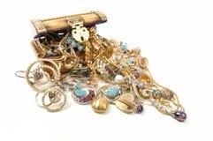 De borst van de schat met juwelen Royalty-vrije Stock Afbeeldingen