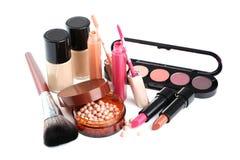 De borstel en de schoonheidsmiddelen van de make-up Stock Afbeelding