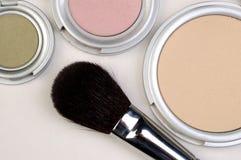 De Borstel van de make-up met bloost Stock Afbeeldingen