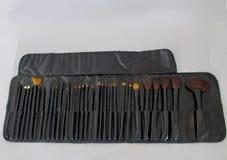 De borstels worden geplaatst voor maken omhoog kunstenaar die Stock Afbeelding