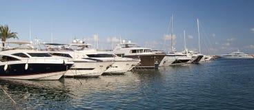 De boten en de jachten van de luxe Royalty-vrije Stock Afbeeldingen