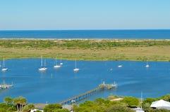 De boten op de rivier in St Augustine stock afbeelding