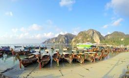De boten Thailand van Koh Phi Phi Don longtail Royalty-vrije Stock Afbeelding
