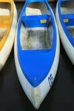 De boten van de peddel die van glasvezel worden gemaakt Royalty-vrije Stock Foto's